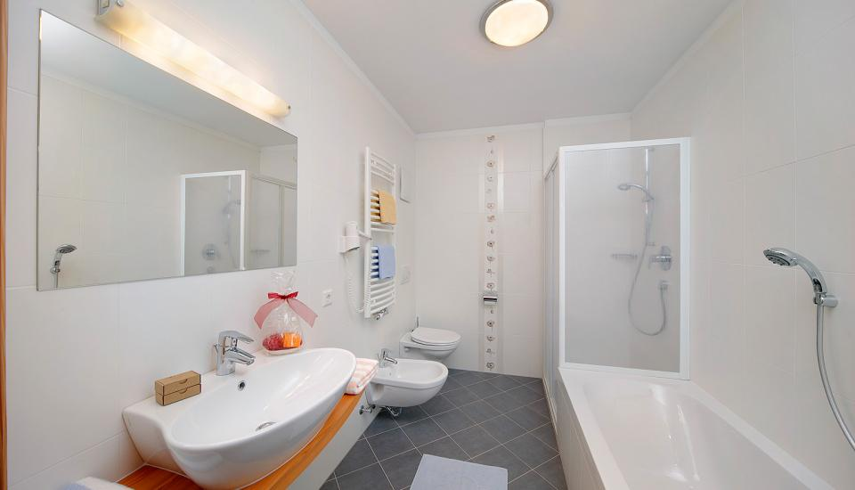 Bathrooms with shower